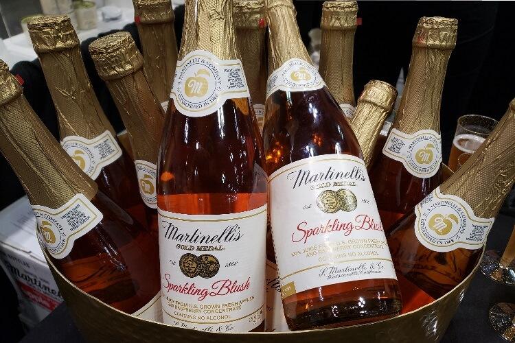 Martinelli представил безалкогольные варианты яблочного сидра в линейке Sparkling Blush